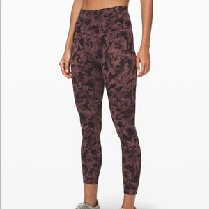 """Lululemon's Align Pant 25"""" leggings"""